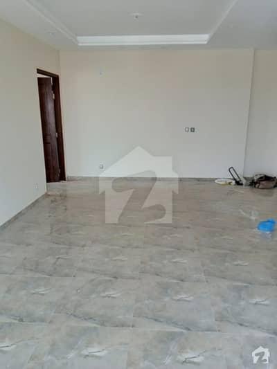 اسٹیٹ لائف ہاؤسنگ فیز 1 اسٹیٹ لائف ہاؤسنگ سوسائٹی لاہور میں 2 کمروں کا 5 مرلہ فلیٹ 27 ہزار میں کرایہ پر دستیاب ہے۔