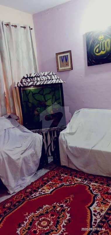 آصف آباد واہ میں 8 کمروں کا 6 مرلہ مکان 90 لاکھ میں برائے فروخت۔