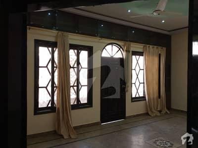 Rashid Minhas Road Upper Portion Sized 2700  Square Feet For Rent
