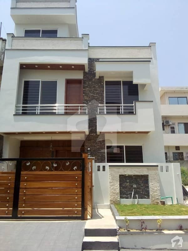 Brand New Luxury 25x40 House For Sale In G 13
