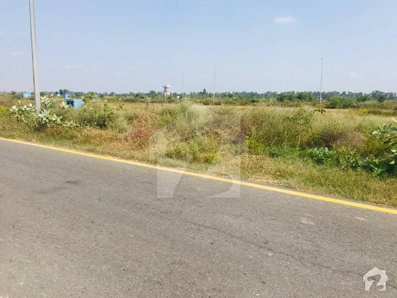 ڈی ایچ اے فیز 8 - بلاک ٹی فیز 8 ڈیفنس (ڈی ایچ اے) لاہور میں 1 کنال رہائشی پلاٹ 2.25 کروڑ میں برائے فروخت۔