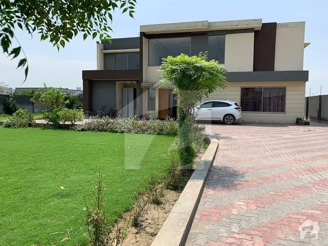 صوفیہ فارم ہاؤسز بیدیاں روڈ لاہور میں 3 کمروں کا 4 کنال فارم ہاؤس 50 ہزار میں کرایہ پر دستیاب ہے۔