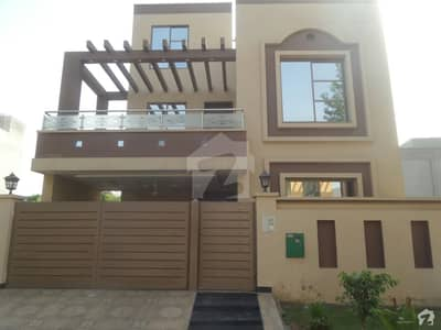 Bahria Nasheman House Sized 8 Marla Is Available