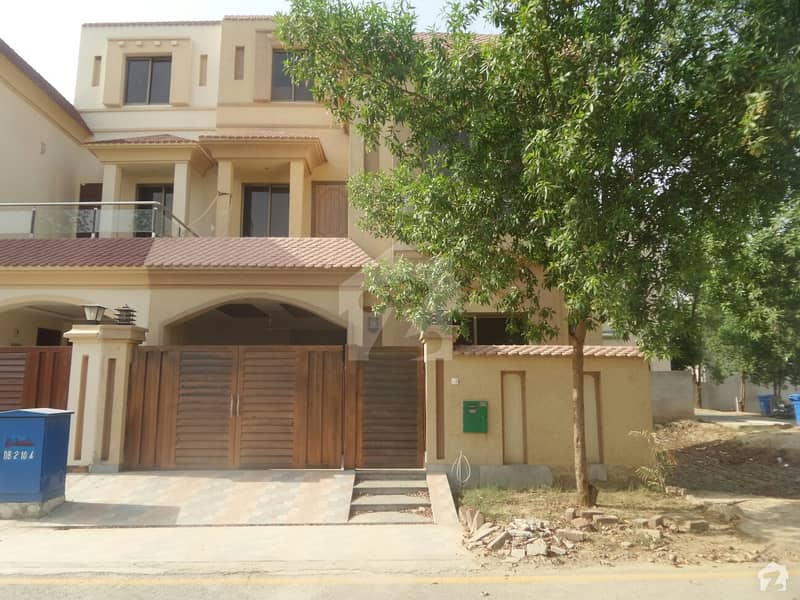 In Bahria Nasheman House Sized 5 Marla For Sale