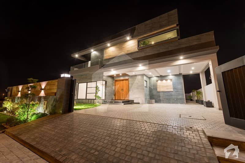 1 Kanal Well Design House For Sale At A Prime Location In Phase 7