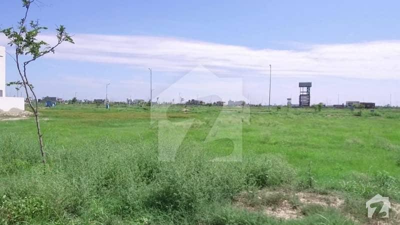 ڈی ایچ اے فیز 7 ڈیفنس (ڈی ایچ اے) لاہور میں 1 کنال رہائشی پلاٹ 1.78 کروڑ میں برائے فروخت۔