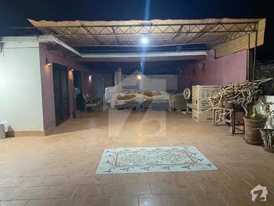 کلفٹن ۔ بلاک 5 کلفٹن کراچی میں 4 کمروں کا 13 مرلہ مکان 4.5 کروڑ میں برائے فروخت۔