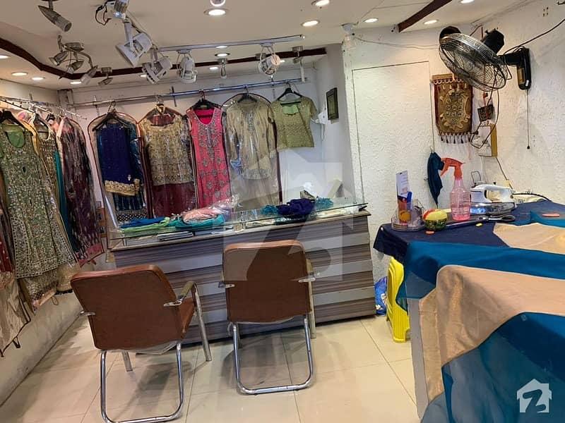 کلفٹن ۔ بلاک 4 کلفٹن کراچی میں 1 مرلہ دکان 90 لاکھ میں برائے فروخت۔