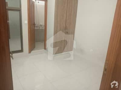 ای ۔ 11 اسلام آباد میں 2 کمروں کا 4 مرلہ فلیٹ 80 لاکھ میں برائے فروخت۔