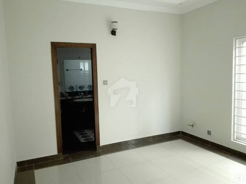 20 Marla Upper Portion Situated In D-12 For Rent
