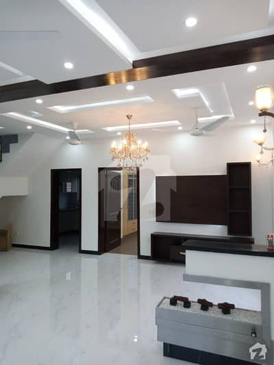 5 Marla Brand New Luxury Double Unit Corner Facing Park House For Sale