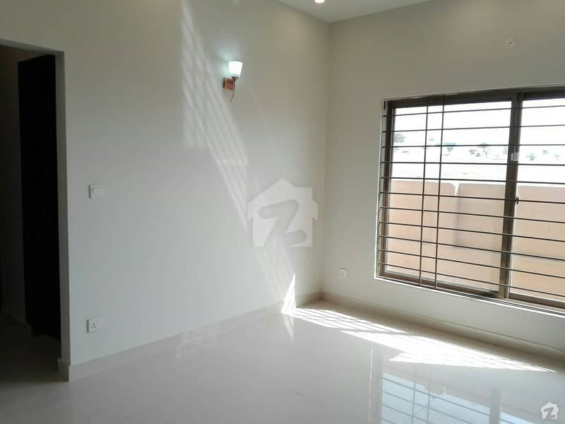20 Marla House For Rent In D-12