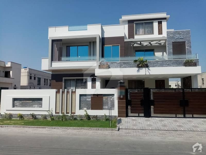 In DC Colony House Sized 1 Kanal For Sale