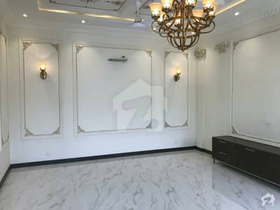 ڈی ایچ اے فیز 6 - بلاک جے فیز 6 ڈیفنس (ڈی ایچ اے) لاہور میں 5 کمروں کا 1 کنال مکان 5.75 کروڑ میں برائے فروخت۔