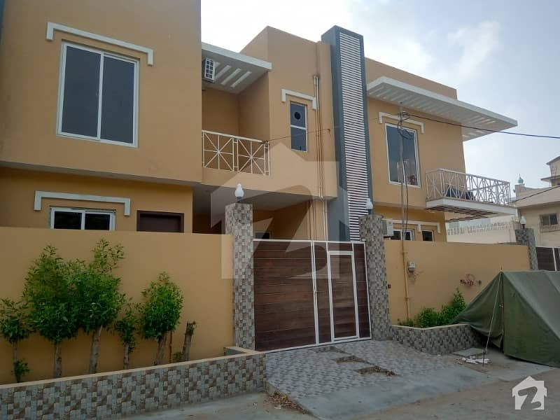 House Of 200 Square Yards Available In Clifton