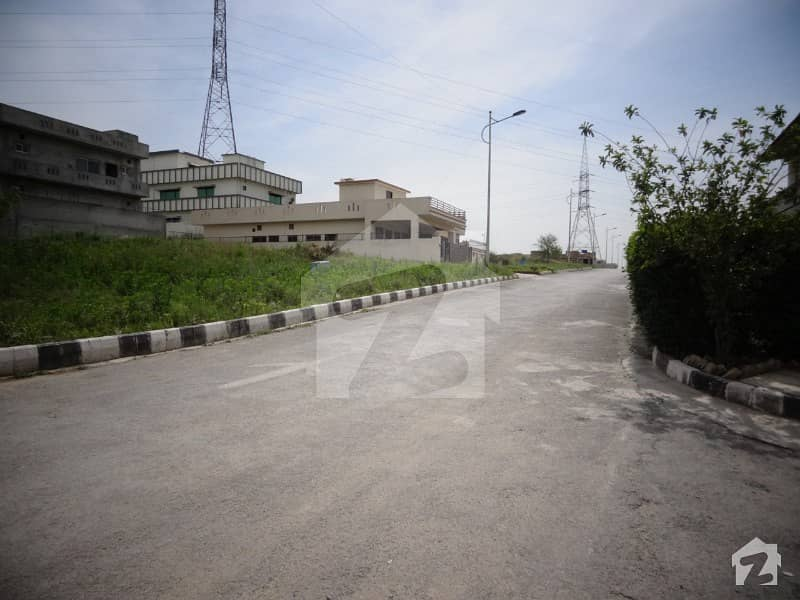 5 Marla Plot Available For Sale In Block F At A Superb Location