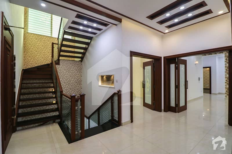 Full Basement 100 Ft Road 6 Bed 1 Kanal Luxury Bungalow For Sale