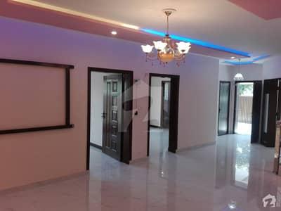 بحریہ ٹاؤن سیکٹر سی بحریہ ٹاؤن لاہور میں 5 کمروں کا 10 مرلہ مکان 75 ہزار میں کرایہ پر دستیاب ہے۔