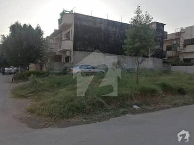 ای ۔ 11 اسلام آباد میں 10 مرلہ رہائشی پلاٹ 2.65 کروڑ میں برائے فروخت۔