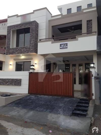 30x60 House Available For Sale