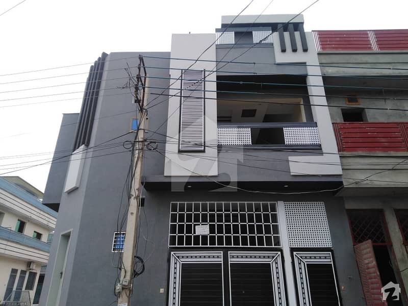 حیات آباد فیز 7 - ای5 حیات آباد فیز 7 حیات آباد پشاور میں 7 کمروں کا 5 مرلہ مکان 2.5 کروڑ میں برائے فروخت۔