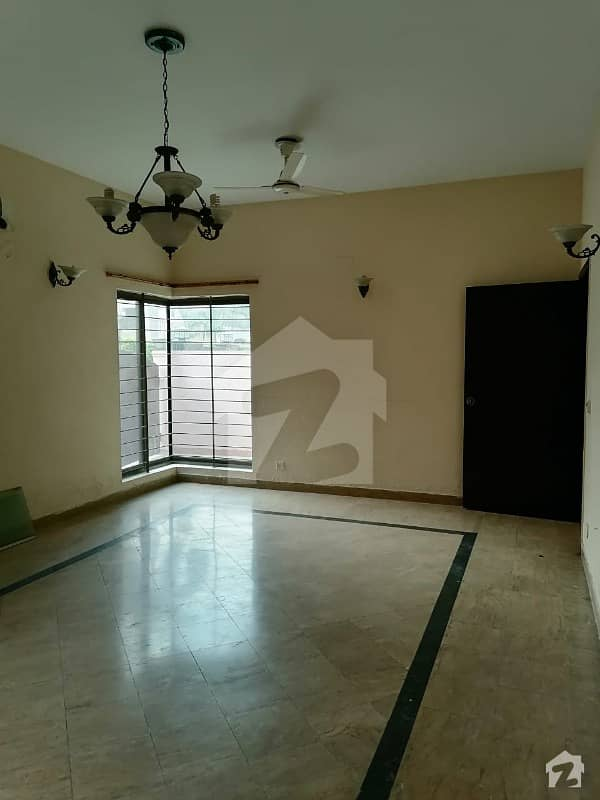 2000 Sq Feet Flat For Rent In Rehman Garden Lahore
