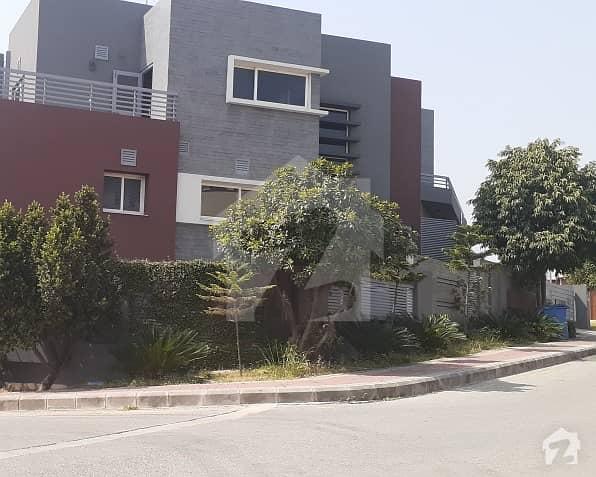 بحریہ ٹاؤن فیز 4 بحریہ ٹاؤن راولپنڈی راولپنڈی میں 5 کمروں کا 1 کنال مکان 5 کروڑ میں برائے فروخت۔