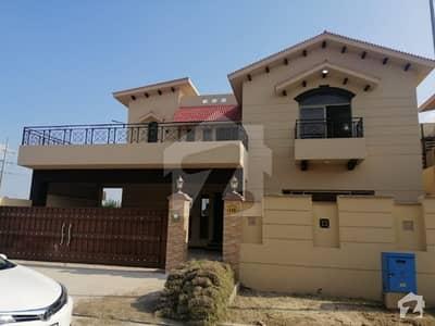 عسکری 10 - سیکٹر ایف عسکری 10 عسکری لاہور میں 5 کمروں کا 17 مرلہ مکان 1.4 لاکھ میں کرایہ پر دستیاب ہے۔