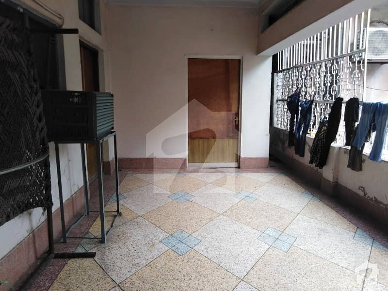 House Situated In National Town For Sale 14 Marla House Main Road Just Fall One Sight