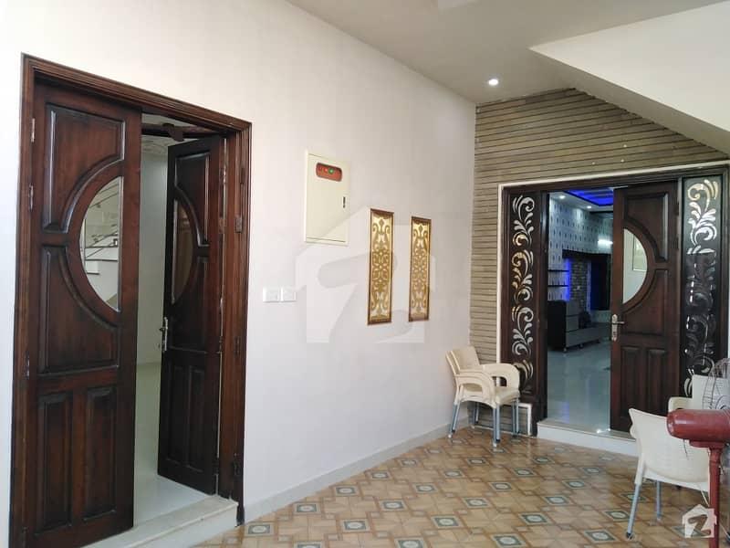 گلستانِِ جوہر ۔ بلاک 3 گلستانِ جوہر کراچی میں 8 کمروں کا 12 مرلہ مکان 4.25 کروڑ میں برائے فروخت۔