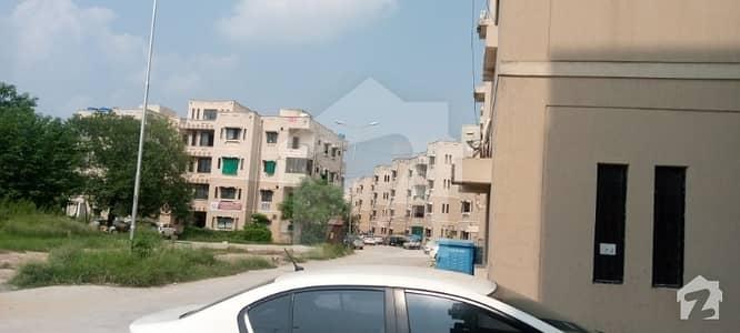 جی ۔ 11/3 جی ۔ 11 اسلام آباد میں 3 کمروں کا 5 مرلہ فلیٹ 1.2 کروڑ میں برائے فروخت۔