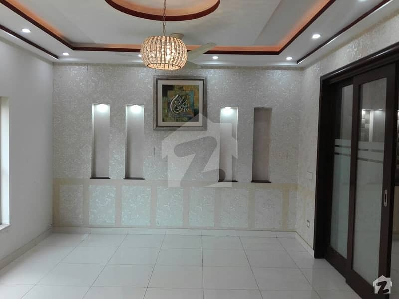 10 Marla House For Rent In Beautiful Bahria Town