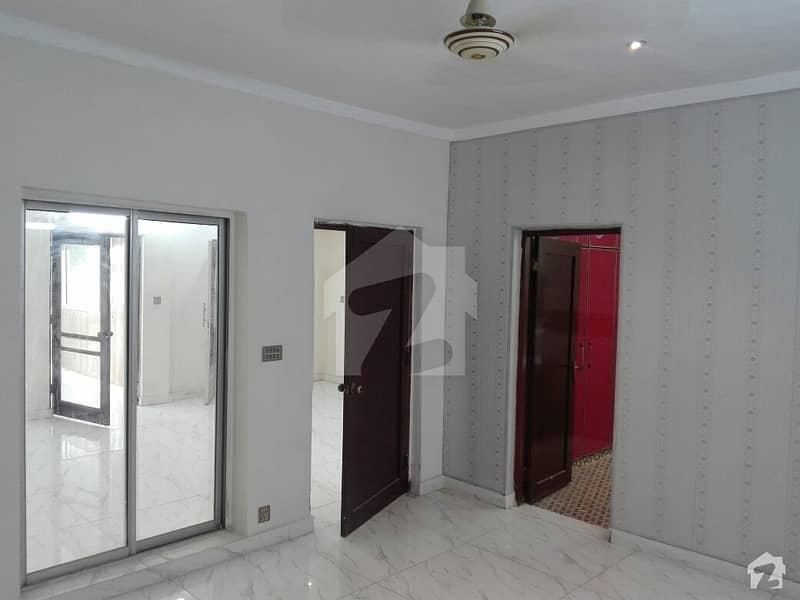 بحریہ ٹاؤن ٹیولپ بلاک بحریہ ٹاؤن سیکٹر سی بحریہ ٹاؤن لاہور میں 5 کمروں کا 10 مرلہ مکان 75 ہزار میں کرایہ پر دستیاب ہے۔