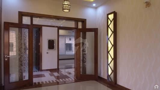 ڈی ایچ اے فیز 2 - سیکٹر بی ڈی ایچ اے ڈیفینس فیز 2 ڈی ایچ اے ڈیفینس اسلام آباد میں 6 کمروں کا 1 کنال مکان 5.6 کروڑ میں برائے فروخت۔