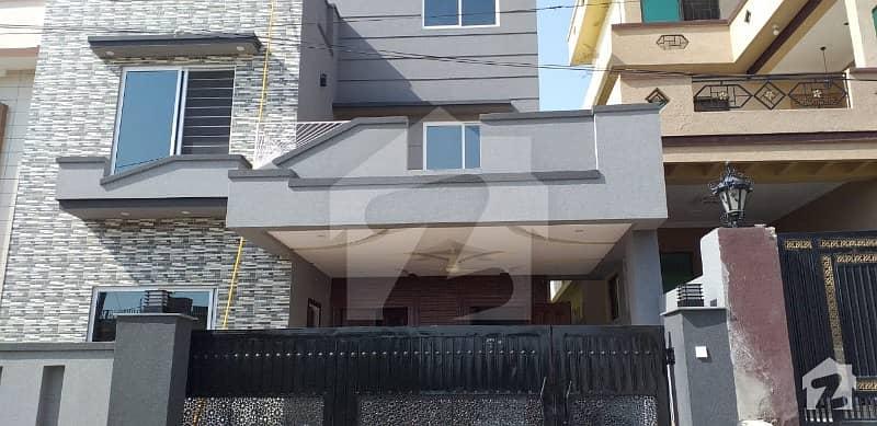 گلریز ہاؤسنگ سوسائٹی فیز 2 گلریز ہاؤسنگ سکیم راولپنڈی میں 6 کمروں کا 14 مرلہ مکان 2.4 کروڑ میں برائے فروخت۔