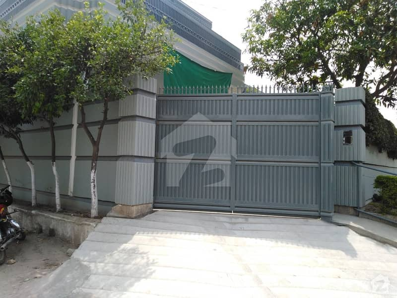House Sized 1 Kanal Is Available For Sale In Hayatabad