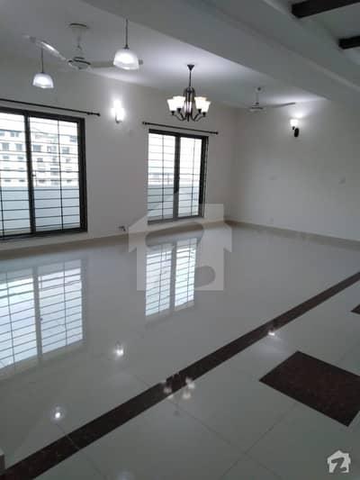 عسکری 10 - سیکٹر ایف عسکری 10 عسکری لاہور میں 3 کمروں کا 10 مرلہ فلیٹ 2.15 کروڑ میں برائے فروخت۔