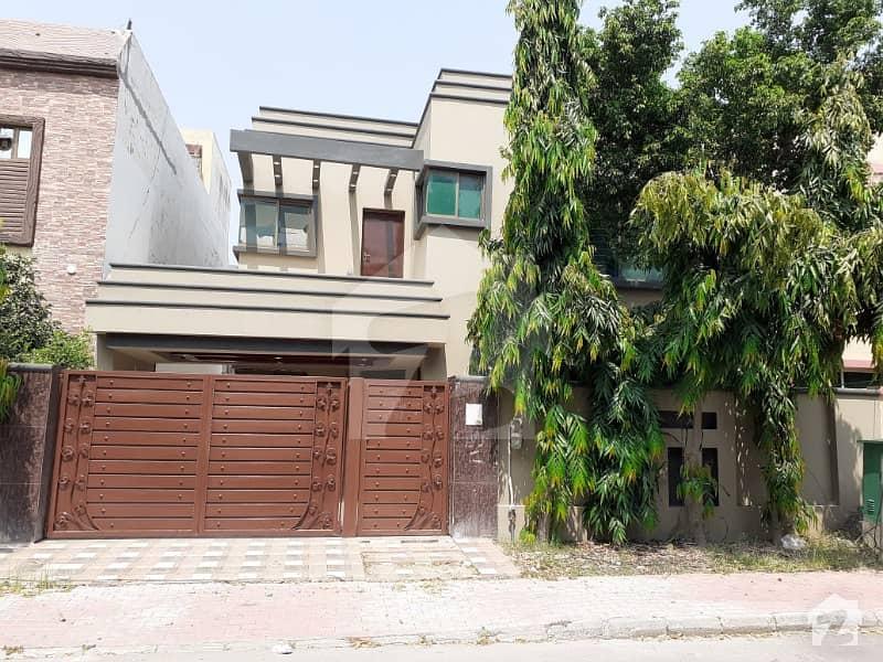 بحریہ ٹاؤن سیکٹر سی بحریہ ٹاؤن لاہور میں 5 کمروں کا 10 مرلہ مکان 68 ہزار میں کرایہ پر دستیاب ہے۔