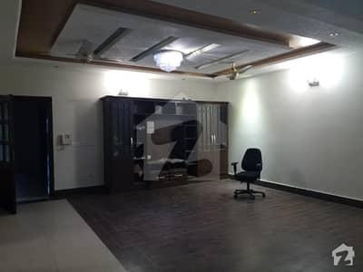جی ۔ 6 اسلام آباد میں 8 کمروں کا 1.33 کنال مکان 3.5 لاکھ میں کرایہ پر دستیاب ہے۔