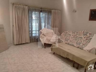ڈی ایچ اے فیز 7 ڈی ایچ اے کراچی میں 5 کمروں کا 1 کنال مکان 7.75 کروڑ میں برائے فروخت۔