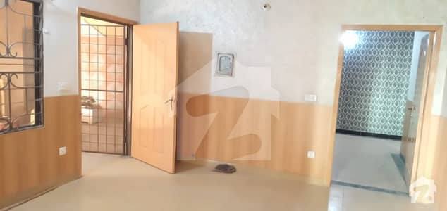 Flat Sized 1125  Square Feet Is Available For Sale In Mustafa Town