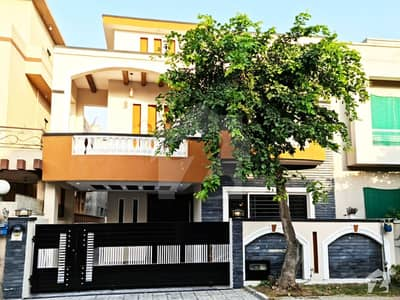 10 Marla Luxury 5 Beds House In Central Bahria Town Rawalpindi For Rent
