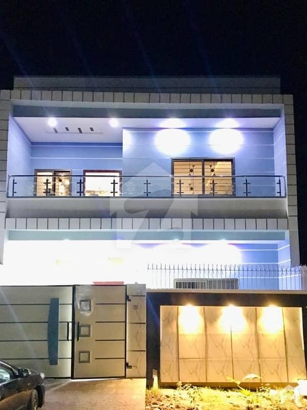 صوفی سٹی منڈی بہاؤالدین میں 7 کمروں کا 8 مرلہ مکان 1.3 کروڑ میں برائے فروخت۔