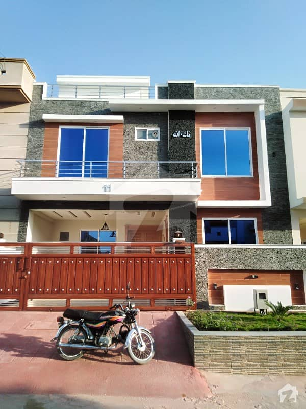 Brand New Luxury 30x60 House For Sale In G 13