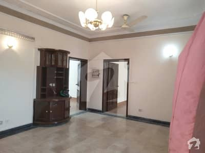 One Kanal Upper Portion Available For Rent In Dha Lahore