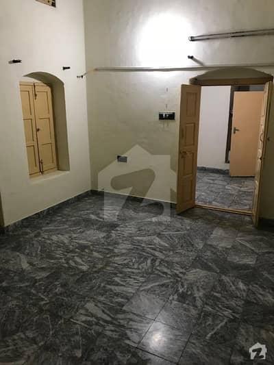 عزیز بھٹی شہید روڈ سیالکوٹ میں 2 کمروں کا 7 مرلہ بالائی پورشن 18 ہزار میں کرایہ پر دستیاب ہے۔