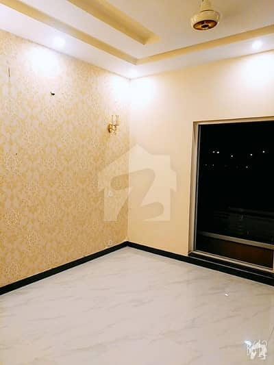 House In Dha Defence Sized 2500  Square Feet Is Available
