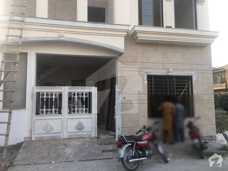 الرحیم گارڈن فیز ۵ جی ٹی روڈ لاہور میں 3 کمروں کا 6 مرلہ مکان 1.4 کروڑ میں برائے فروخت۔