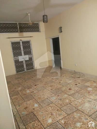 Lower Portion In Gulshan-E-Iqbal Town For Rent
