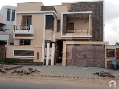 ڈی ایچ اے فیز 7 ڈی ایچ اے کراچی میں 6 کمروں کا 1 کنال مکان 11 کروڑ میں برائے فروخت۔
